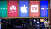 Global smartphone shipments fell 8.8% in 2020
